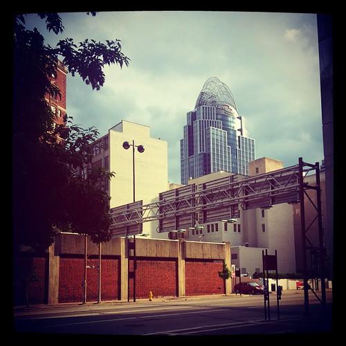 Fifth Street in downtown Cincinnati... #SPRINGinCINCY