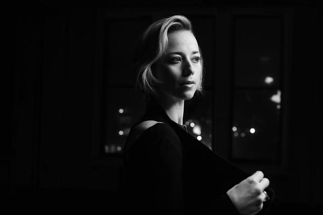 Karine Vanasse X Elisa C-Rossow - veste numero 7