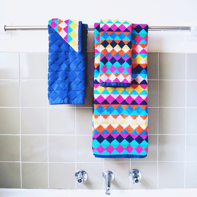 New towels to brighten up the guest bathroom thanks to @freedom_australia (note to self, get guest bathroom ????)