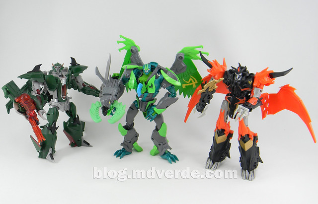 Transformers Grimwing Voyager - Prime Beast Hunters - modo robot vs Predaking vs Skyquake