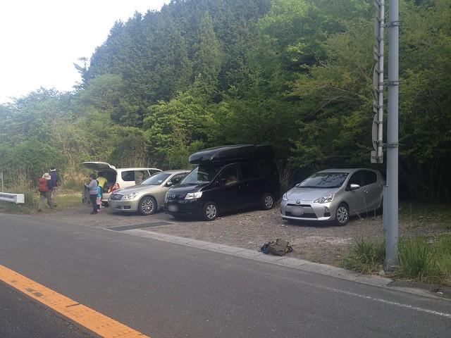 雨乞岳 武平トンネル西駐車スペース