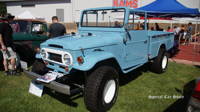 1967 Toyota FJ45 4x4 at Steve McQueen Car Show 2016