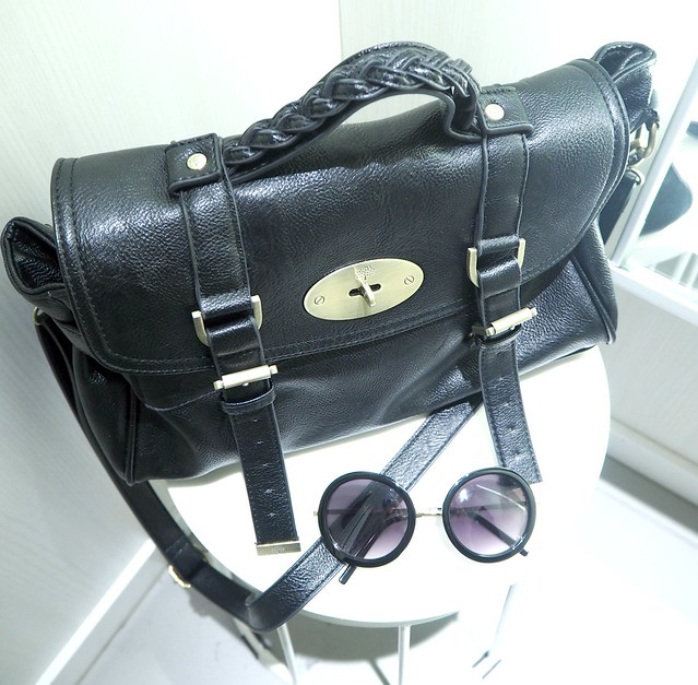 asusteeth&m2, asu, ootd, bag, sunglasses, sunnies, musta, black, mulberry, alexa, aurinkolasitt, shades,