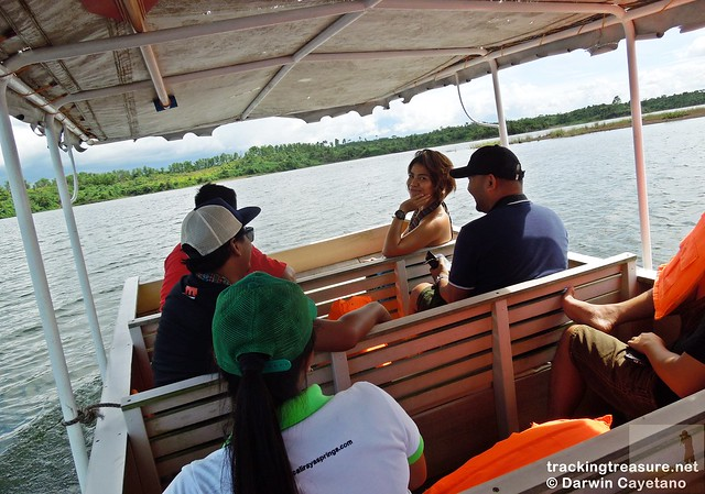 7 Caliraya Mountain Spring Marina Resort - Boat Ride