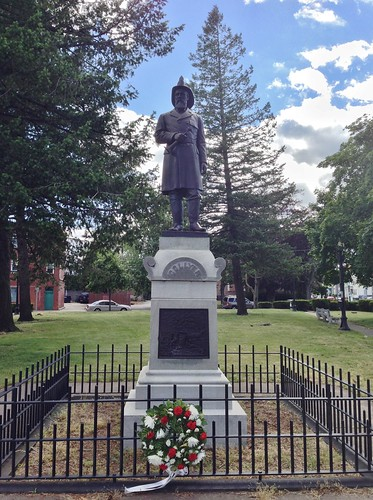Samuel S. Collyer Memorial by ArtFan70, via I {heart} Rhody