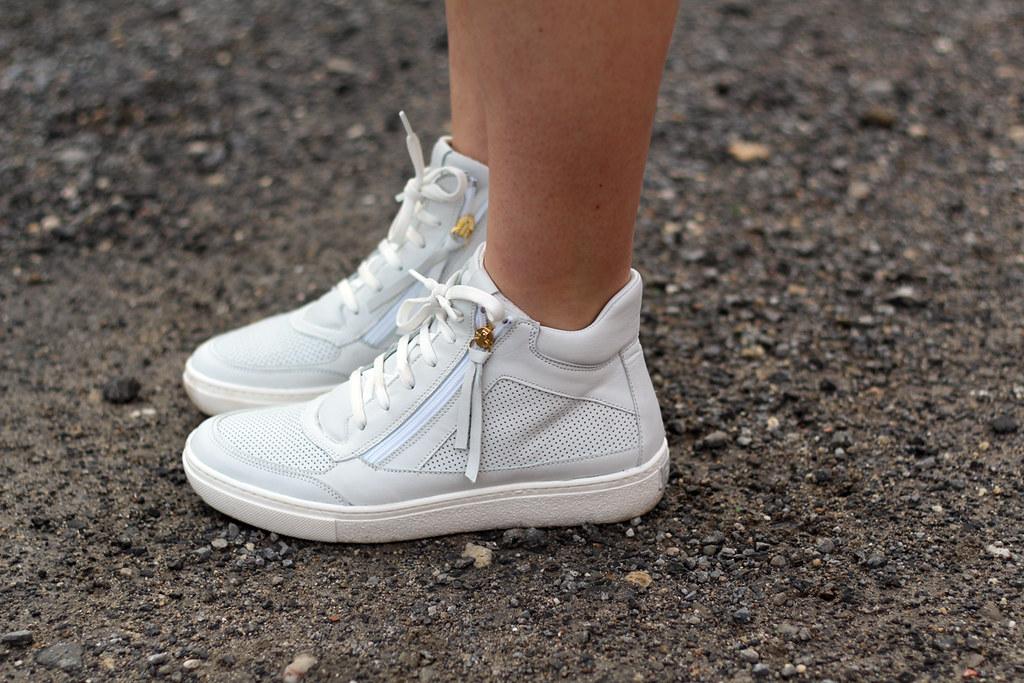 Asos Coat jeans shorts peperosa sneakers