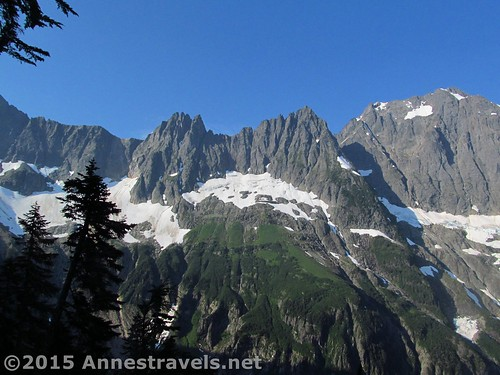 The cliffs of The Triplets (center/left) and Cascade Peak / Johannesburg Mountain (right), Cascade Pass Trail, North Cascades National Park, Washington