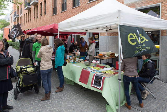 De langste veggietafel op het Helleputteplein - 16 mei 2015