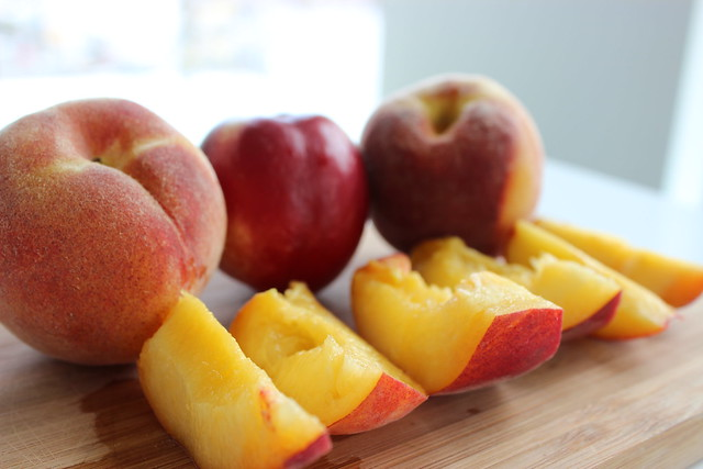 Peach and Nectarine Buying Guide