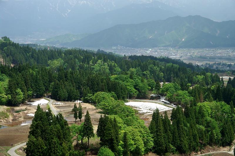 栃窪峠より町を見下ろす_201505_NO1