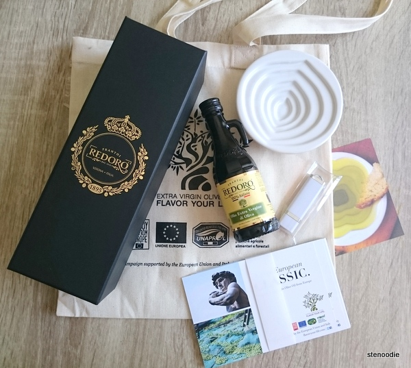 EVOO-gift-bag-contents