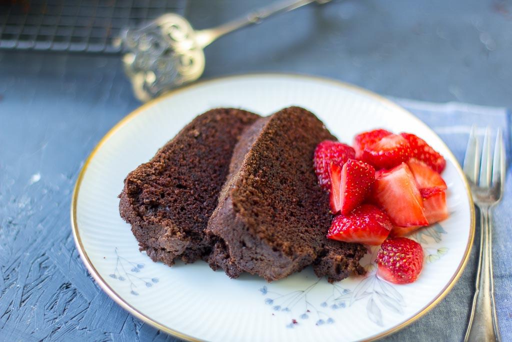 Schokoladengugelhupf mit Rotwein