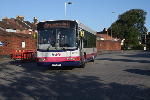 First Hampshire & Dorset 66176 W376EOW Volvo B10BLE / Wright Renown
