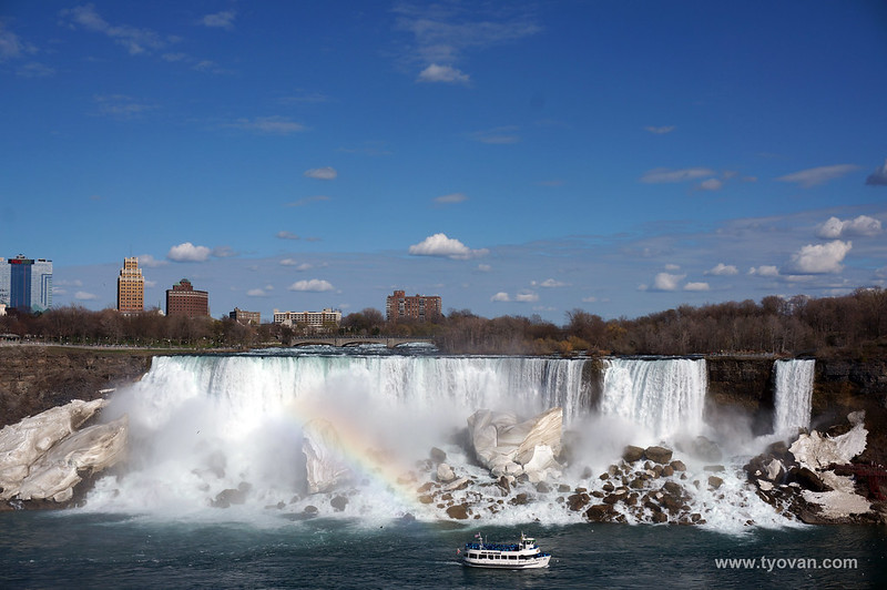the American Falls and the Bridal Veil Falls.