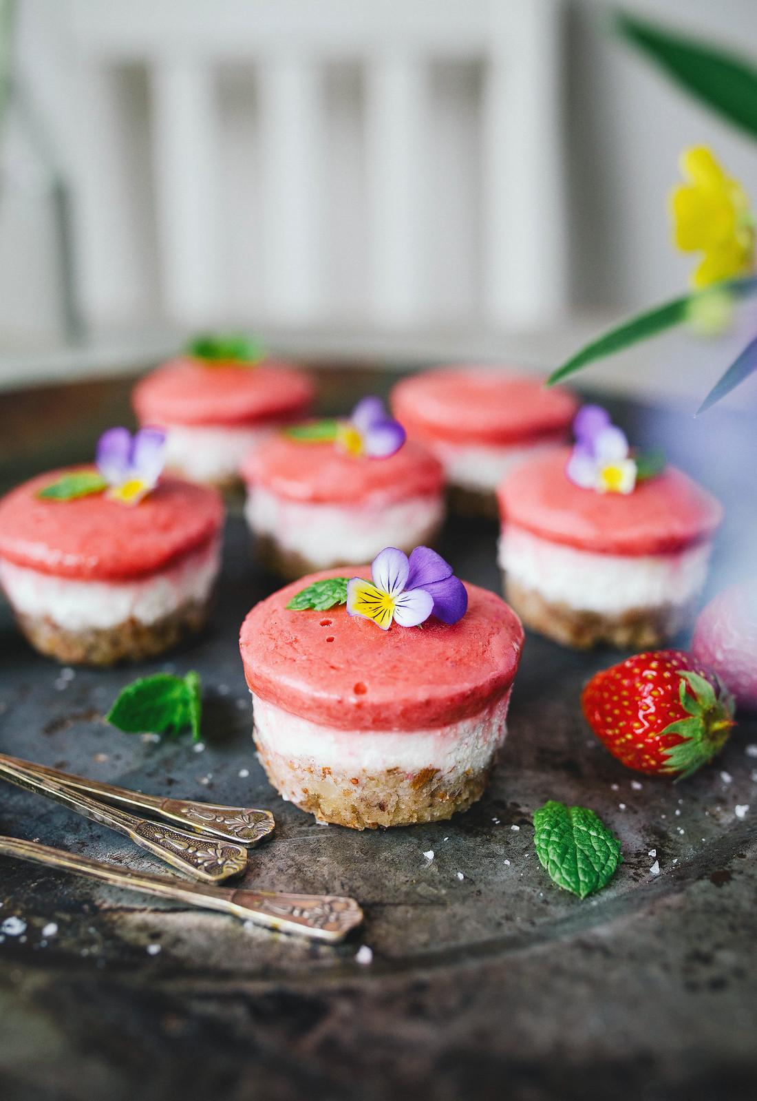 Raw Mini Cheesecakes - Evelinas Ekologiska