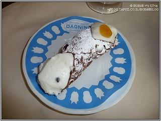 Cannollo Siciliano -  קנולו סיציליאני עם ריקוטה, שוקולד לבן ופצפוצי שוקולד