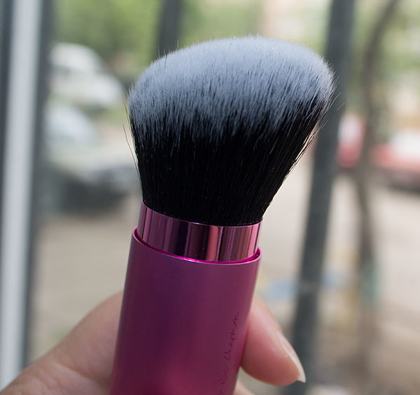 Кисть Real Techniques - Retractable Kabuki Brush