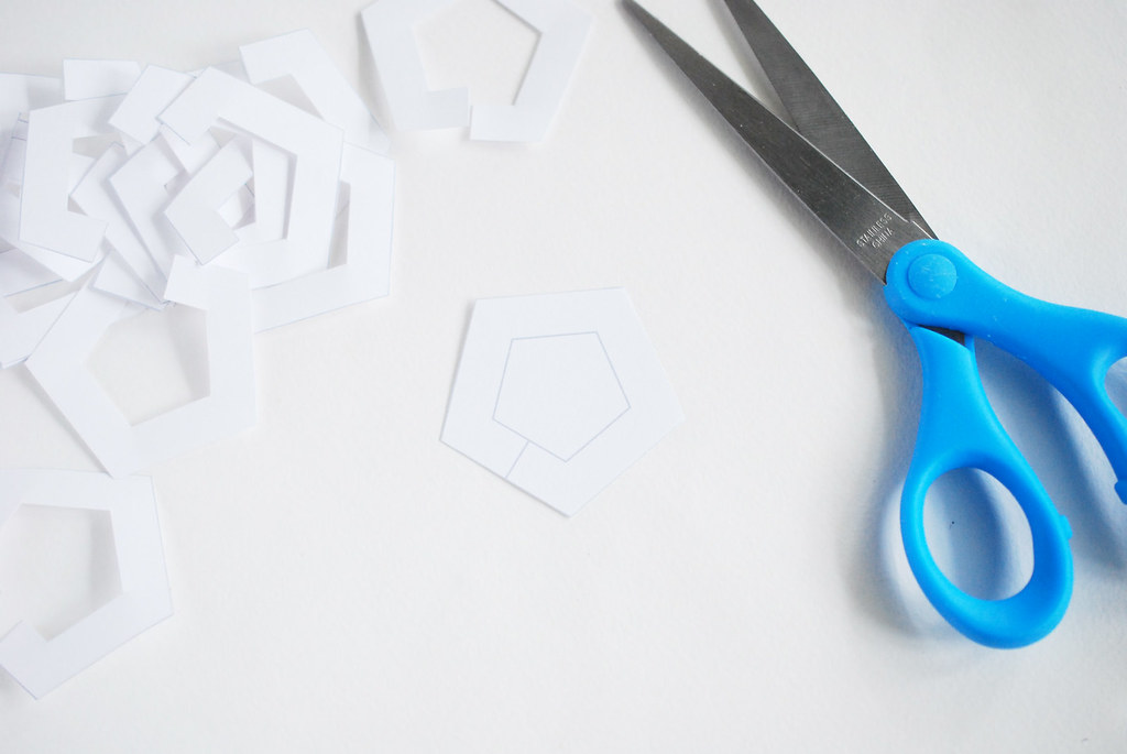 Pentagon Paper Chain