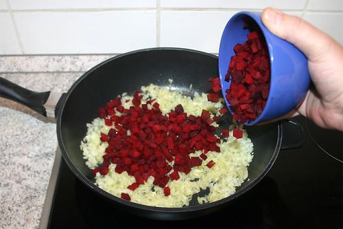 24 - Rote Beete hinzufügen / Add beetroot