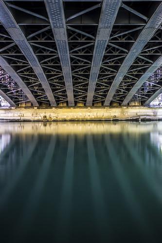 Under the bridge, 2