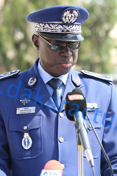 Generale Jean Batis Tine 4900-BorderMaker