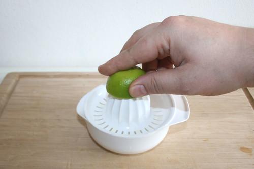 33 - Limette auspressen / Squeeze lime