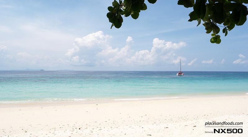 maiton island scenery