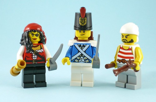 LEGO Pirates 70411 Treasure Island figures01