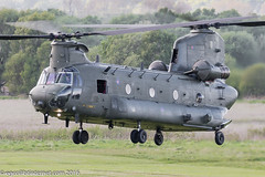 ZH893 - Royal Air Force Boeing-Vertol Chinook HC.4, approach & go-around on Runway 20 at Barton
