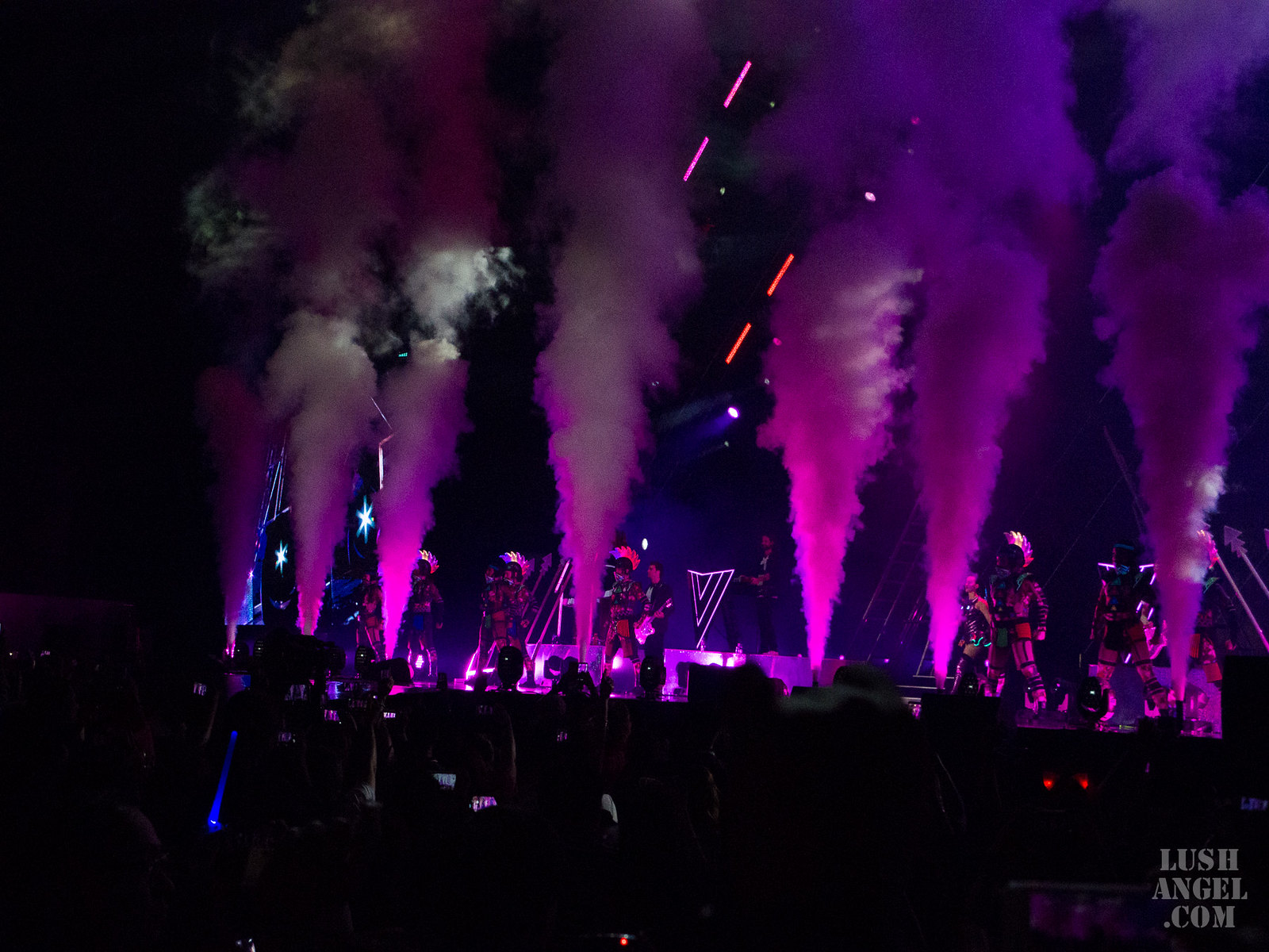 katy-perry-prismatic-world-tour-philippines-opening