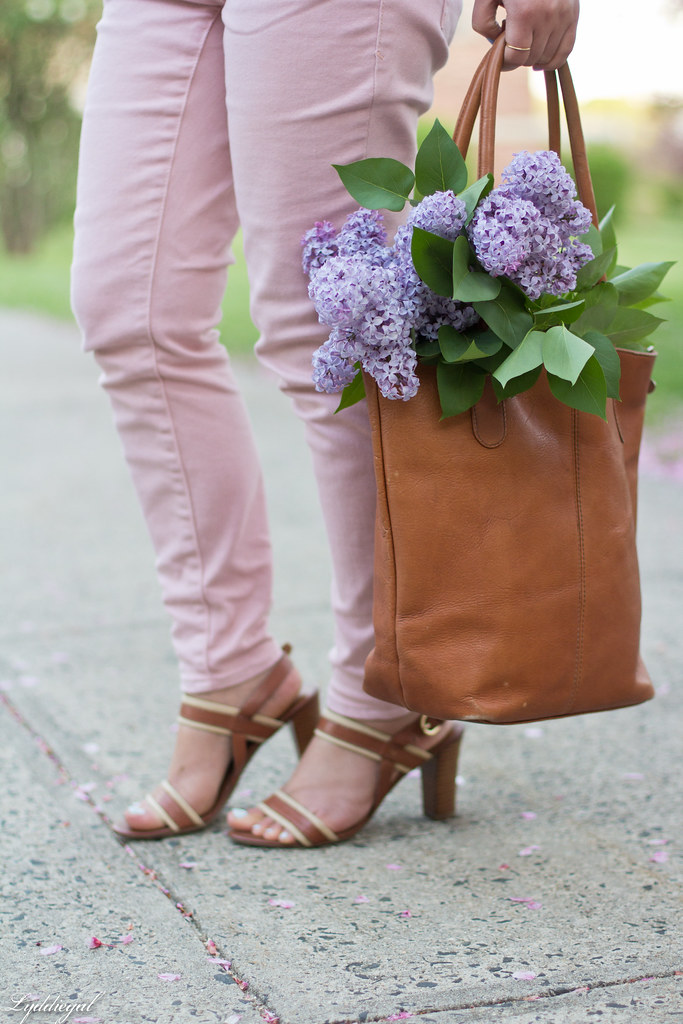 Chambray blazer, pink jeans, leather tote-3.jpg