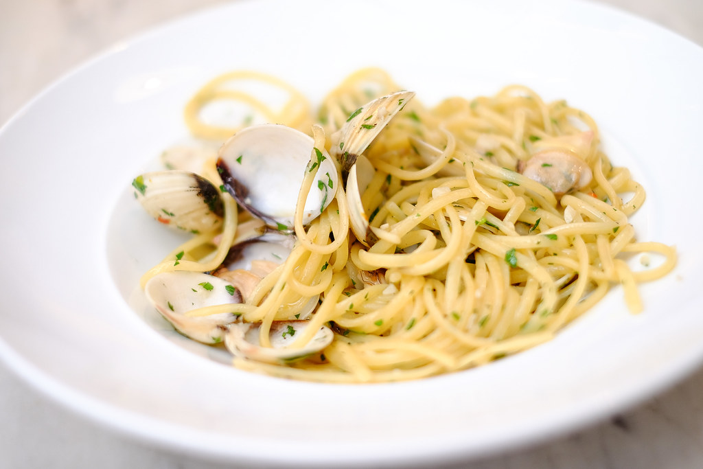 G House: Vongole Linguine