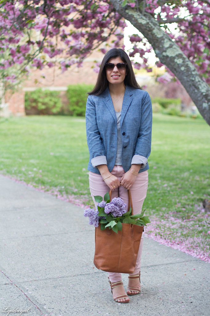 Chambray blazer, pink jeans, leather tote-2.jpg