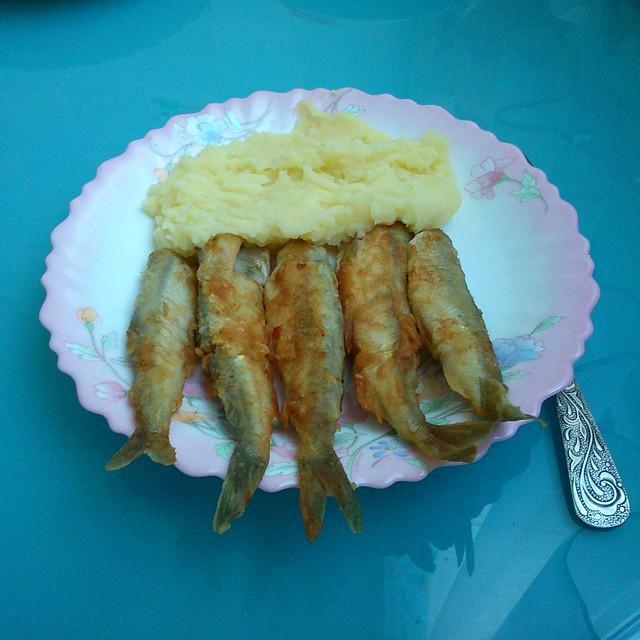 Корюшка + пюре = ужин // Smelt + mashed potatoes = dinner