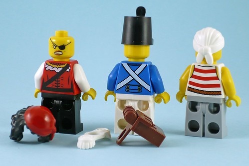 LEGO Pirates 70411 Treasure Island figures04