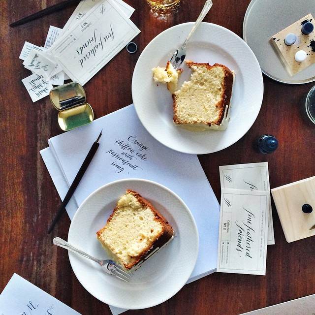 Creativity and cake, such a civilised afternoon ????. . . . Creativity supplied by @fine.feathered.friends cake by @simmerandboyle (of course), plus the lovely @channieb and @__joannelee