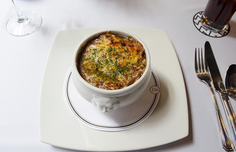 Wellington restaurante sopa de cebolla