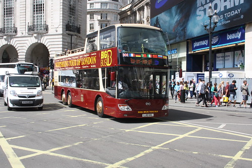 Big Bus Tour AN327 LJ12GKL