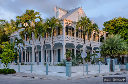 Key west conch house by tim azar for Key west style architecture