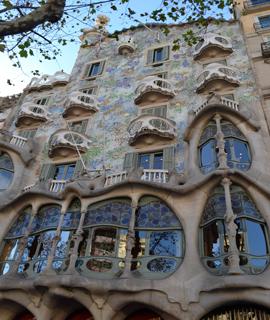 Obiective turistice Barcelona casa batllo 1