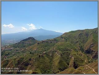 את הר אטנה ניתן לראות ממקומות רבים בסיציליה במיוחד בחלקה המזרחי