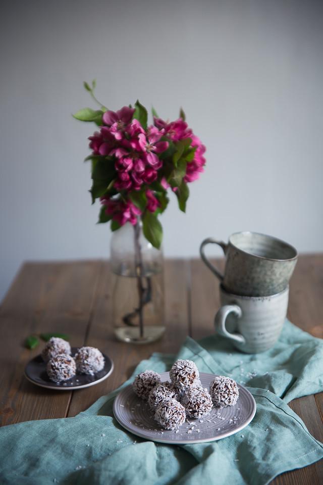 Cacao & Coffee Energy Balls | Cashew Kitchen