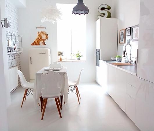 04-dining-kitchen