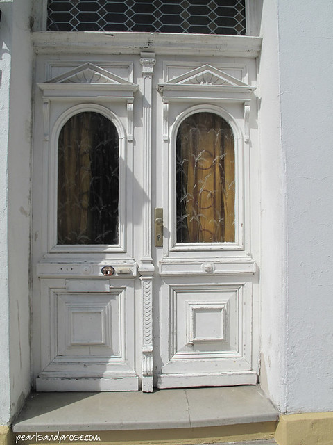 warne_white_doors_web