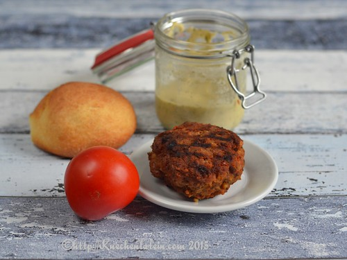 ©Moroccan-spiced lamb burgers with baba ganoush (2)