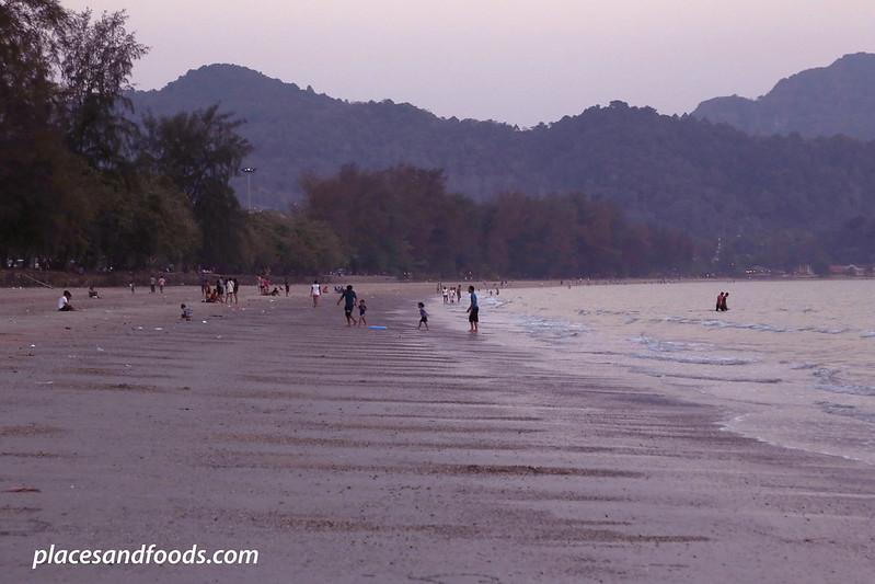 Hat Noppharat-Thara Krabi beach