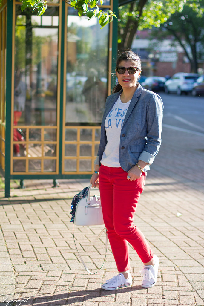 graphic tee, chambray blazer, red jeans, converse-1.jpg