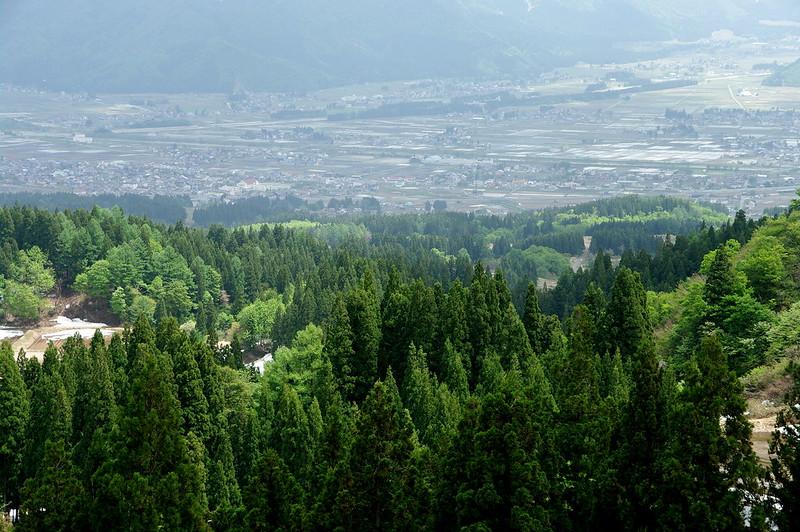 栃窪峠より町を見下ろす_201505_NO2