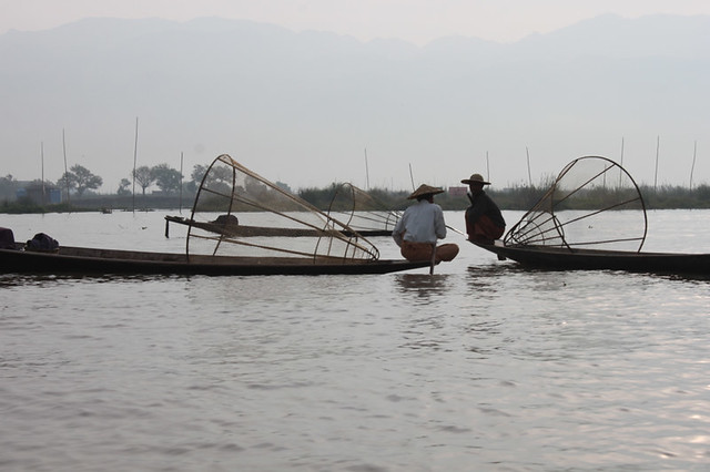 20150212_4400-lake-Inle-fishermen_resize