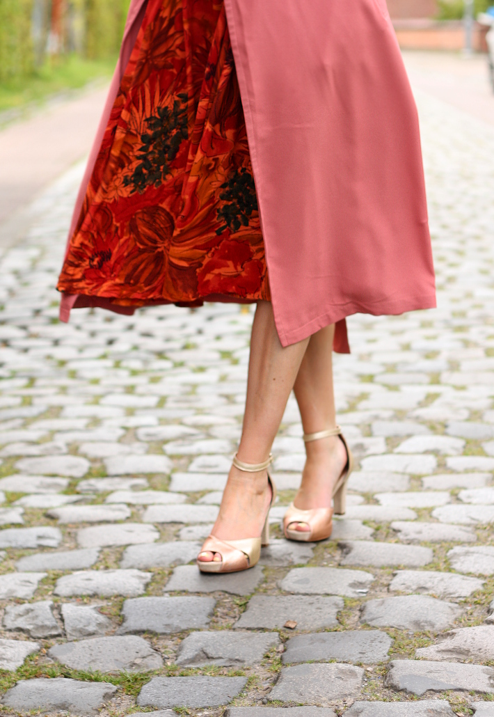 vintage floral circle skirt, pink trench coat, gold peep toe sandals